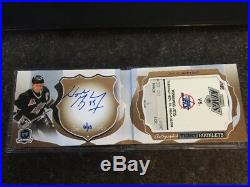 16-17 UD The Cup WAYNE GRETZKY Autographed Ticket Booklet 06/10 INSANE