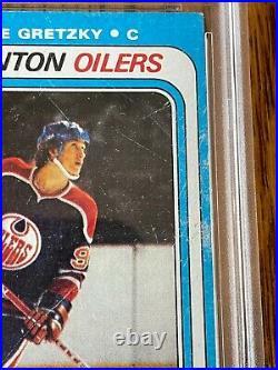 1979 Topps #18 Wayne Gretzky rookie card PSA 2