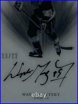2019-20 The Cup Gretzky Color Coded /22 SSP Hard Signed Kings Super Crisp Card